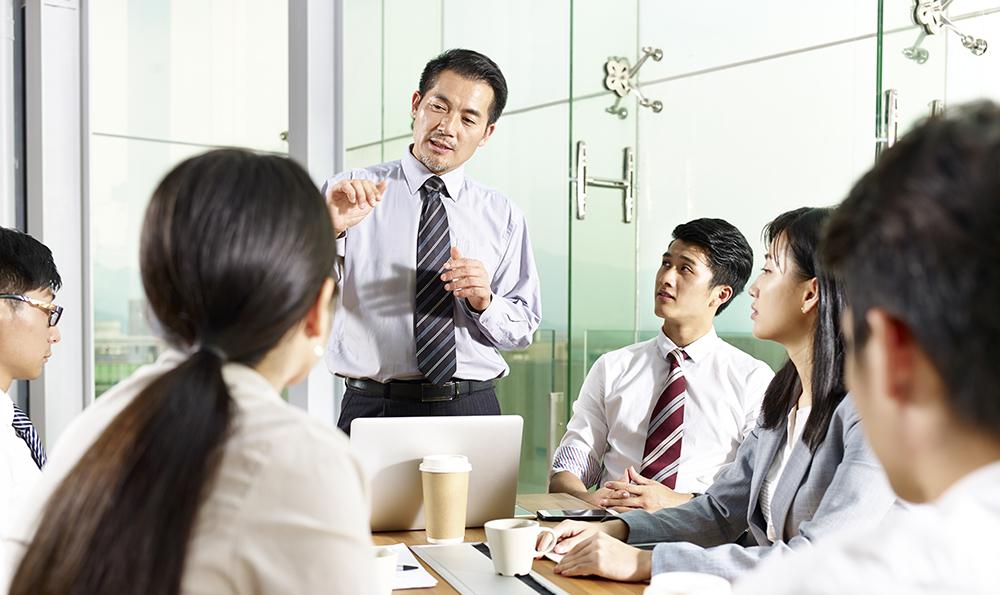 社内会議のイメージ