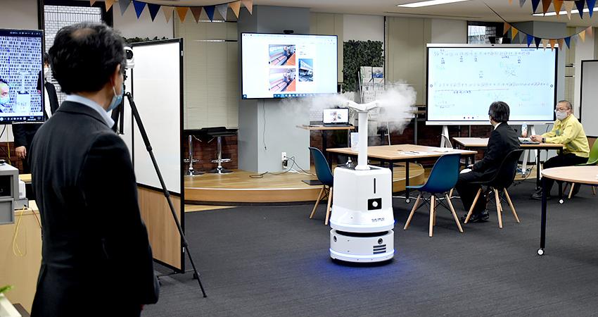 自走する消毒ロボット