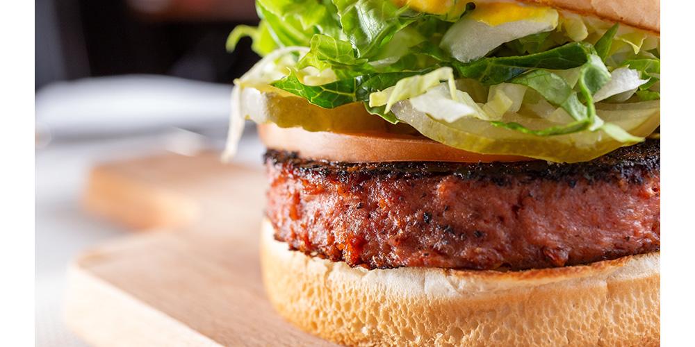 代替肉を使ったハンバーガー